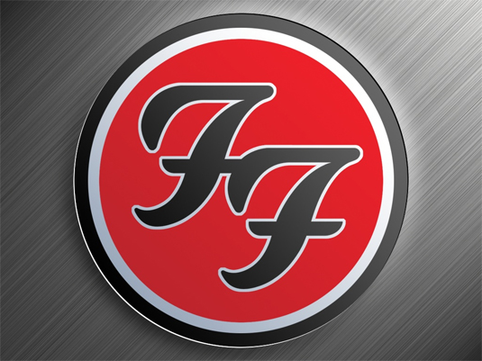 Otro ejemplo instantáneamente reconocible es el diseño de logo de la banda Foo Fighters.