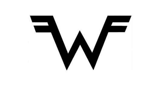 El diseño de logo fue creado por el baterista de la banda.