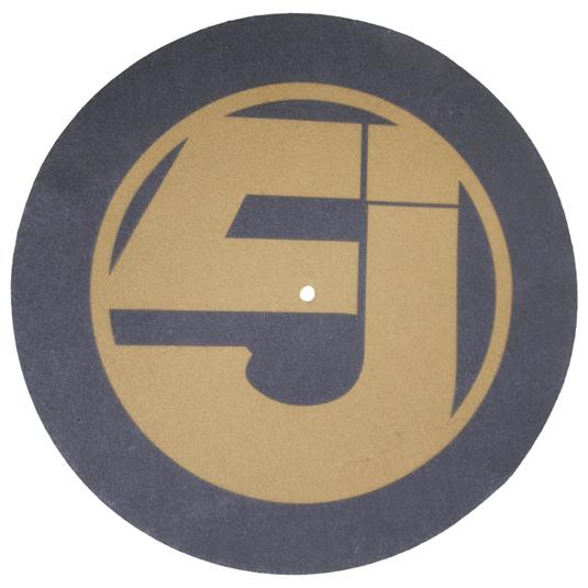 """El diseño de logo de la banda incorpora la """"J"""" y el número """"5"""" en él."""