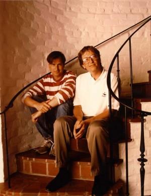 Jóvenes Steve Jobs y Bill Gates posando para la revista Fortune